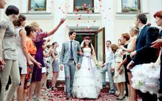 Как можно поздравить молодых на свадьбе интересно